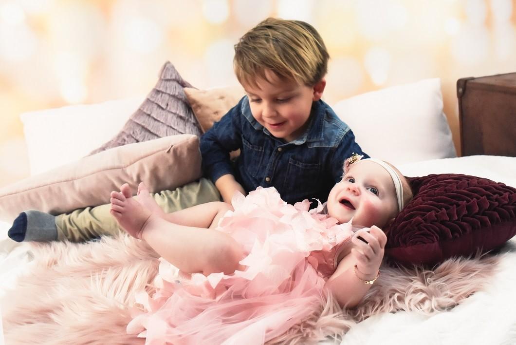 Broer en baby zus fotoshoot bij Snoez fotografie in Dongen ervaring Foodinista