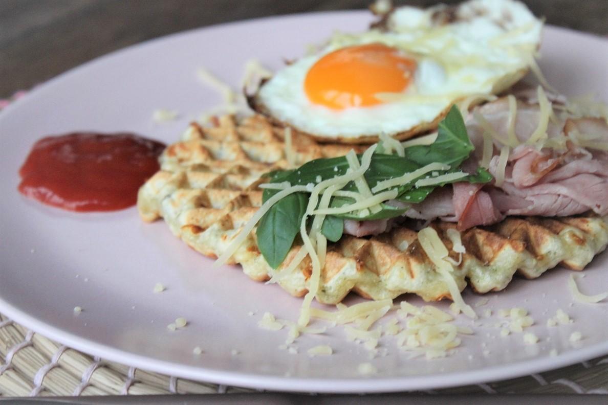 Italiaanse ontbijtwafels met gebakken ham en ei recept van Foodblog Foodinista
