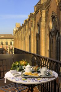 Commercianti-005-colazione-in-terrazza (1)