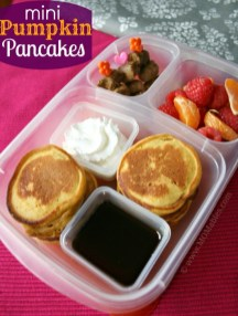 Mini Pumpkin Pancakes-Momables