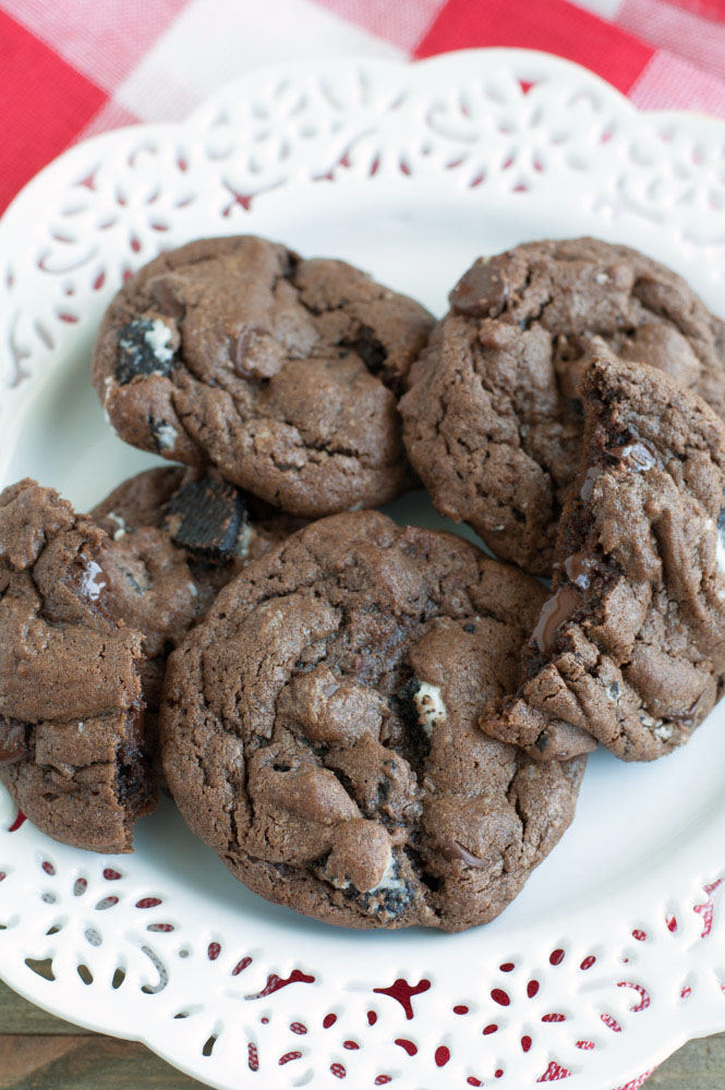 Chocolate Chip Oreo Cookies - Rich chocolate cookies full of chopped Oreo cookies and chocolate chips. Broken Cookie