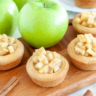 Cookie cups with apple pie filling
