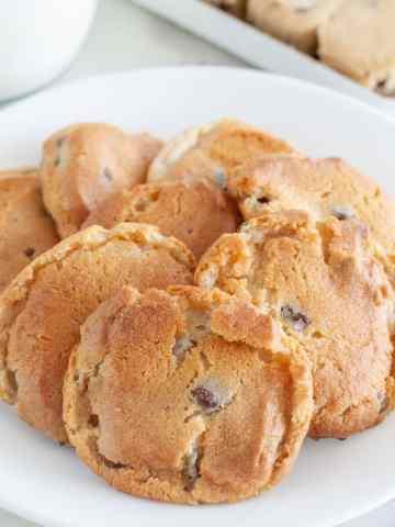 Cookies on plate.