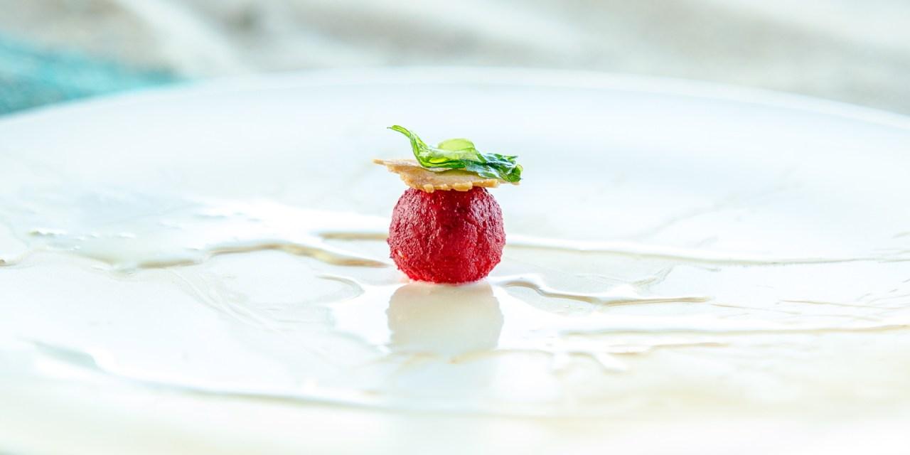 Pane, pomodoro e mozzarella… racchiusi in una sfera.