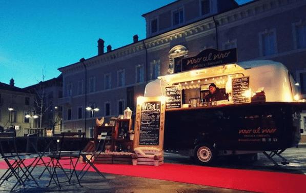 Vino al Vino – La storia dell'enoteca itinerante