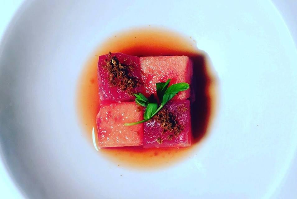 """""""Freschezza d'estate"""" Anguria,Tonno rosso con la sua bottarga, marinatura con vinaigrette all'arancia , zenzero e peperoncino , germogli di piselli"""