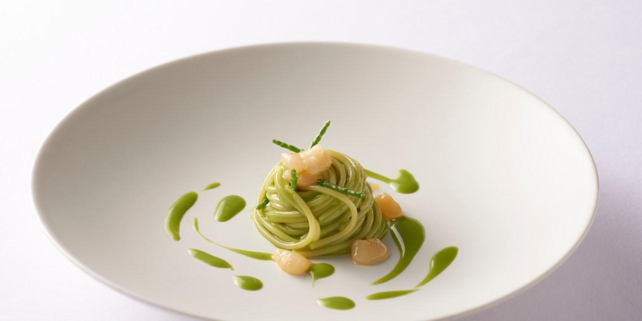 Spaghettini freddi al basilico con aoyagi marinate – Ricetta special dello Chef Giuseppe Molaro