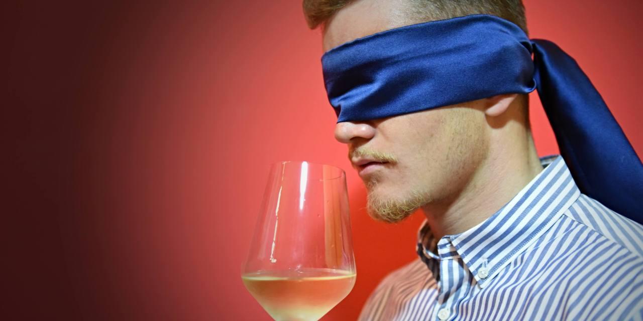 La sera dei bianchi bendati, a Positano