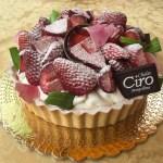 La pasticceria Chalet Ciro rende omaggio alle mamme con cheesecake e cuori di graffa
