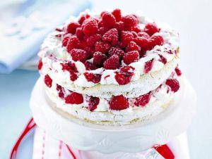meringata-bianca-e-rossa-ai-lamponi-830x625