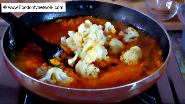 Home Made Gobi Paneer Recipe.
