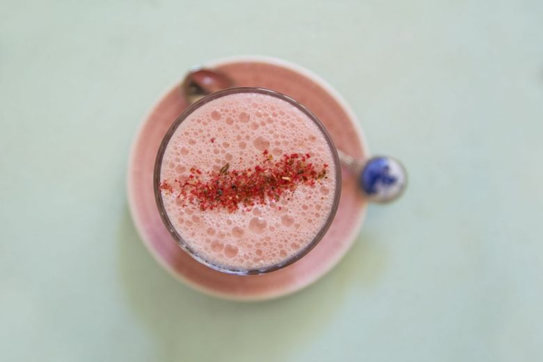 Rote Bete Latte Beetroot Latte