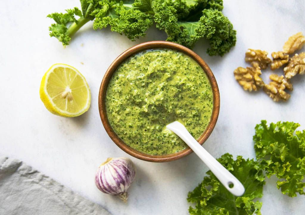 [:de]Grünkohl Pesto[:en]Creamy Kale Pesto[:]