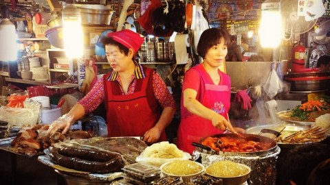 Workers at the Gwangjang Market in Seoul, where Anthony Bourdain is currently filming.