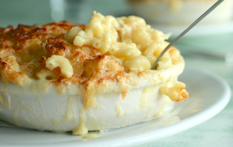 Poole's Diner Mac And Cheese Recipe - Food Republic
