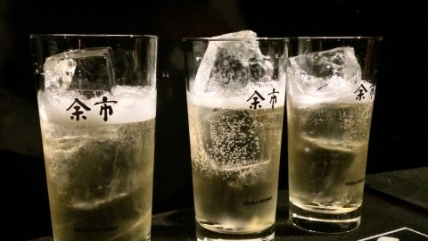 Ingredients are thoughtfully added to the highball in Japan. (Photo: Naren Young.)