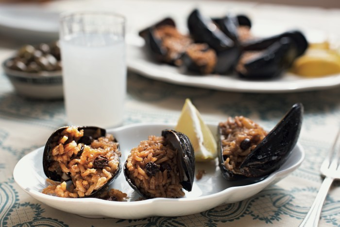 rice-stuffed mussels