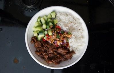 foodtruck met kip bowl
