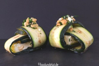 Gegrillte Zucchini-Feta-Päckchen