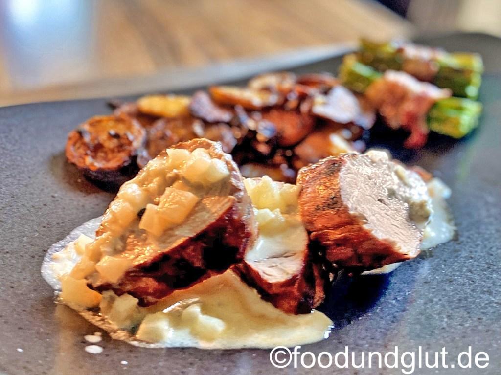 Duroc-Schweinefilet mit Birnen-Gorgonzola-Sauce