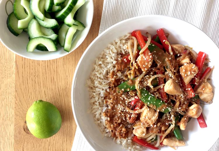 Makkelijk wokgerecht met kip en groente