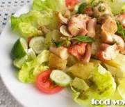 Теплый картофельный салат с осьминогом