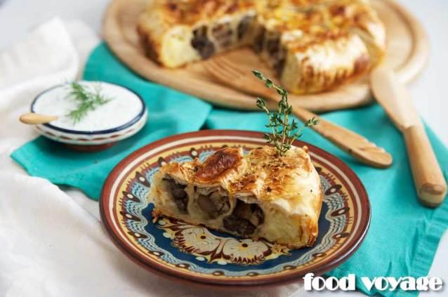Пирог — Улитка с начинками из жаренных подосиновиков и толченого картофеля