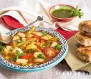 Постный суп «Минестроне» с белой фасолью и соусом песто