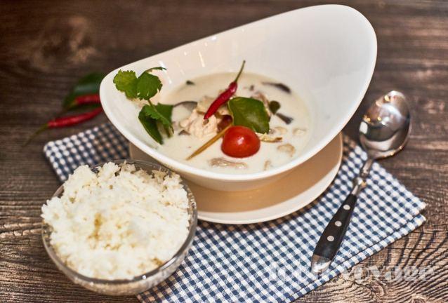 Тайский суп на Том Ка Гай
