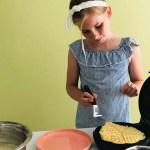 Waffeln mit Jogurt und frischem Kirschen Kompott