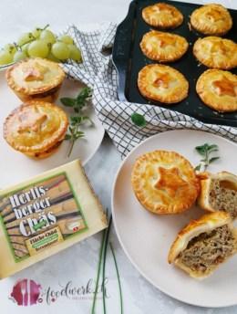 Herzhafte Hackfleisch Mini Pie mit würzigem Heumilch Käse