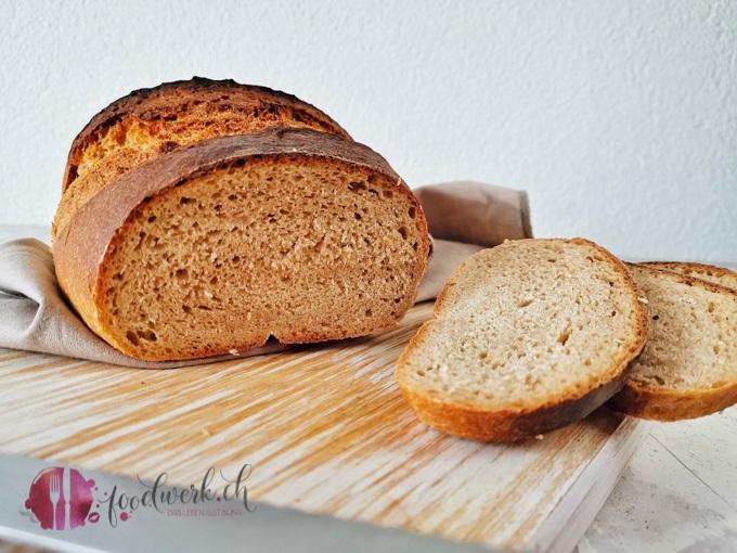 Das Berner Brot ist einfach herzustellen. Die typische Form ist für das Berner Brot unerlässlässlich