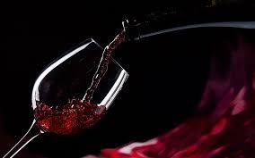 Wine/ Pinot Nero il vino della seduzione e della femminilità