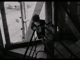 Vito Annicchiarico per le scale in Via Raimondo Montecuccoli