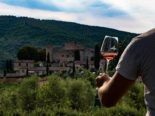 Enogastronomia/ Al via contest su vino e fotografia in castello del Chianti