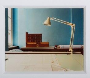 """Milano, 1989-1990 Dalla serie """"Studio di Aldo-Rossi"""" (Luigi Ghirri)"""