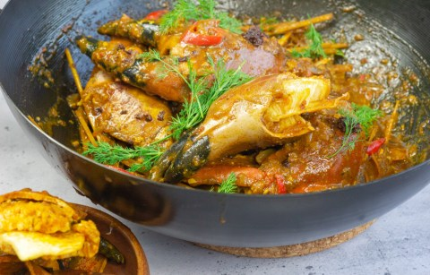 Crab Claws in Mae's Alavar Sauce - FoodwithMae