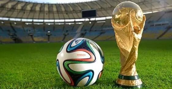 Ballon officiel nike france home coupe du monde 2018 taille 5, rétention de l'air et maintien de forme grâce à la vessie en caoutchouc, logo nike,. Foot Mondial 2014 - La FIFA dévoile le ballon du Mondial ...