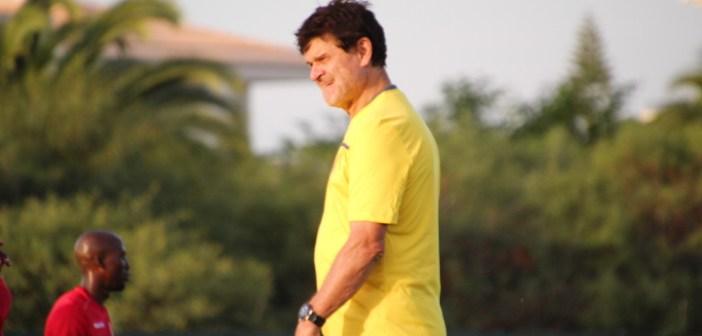 Syli National: Yattara reprend Didier Six de volée
