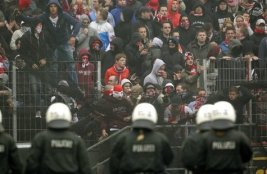 invasione ultras fc koln