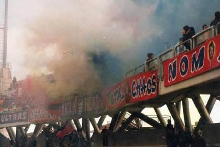 Bologna: striscione Skinheads a Sambenedetto 1986/87