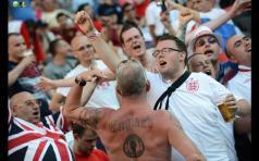 "Inghilterra: Tatuaggio ""northern soul, keep the faith"""
