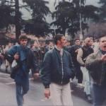 Pisa: skins in corteo anni 90