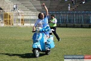 Akragas: una Vespa allo stadio d'Agrigento
