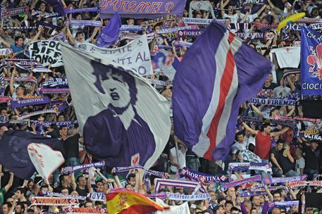 Tifosi Fiorentina viola stadio Artemio Franchi Firenze