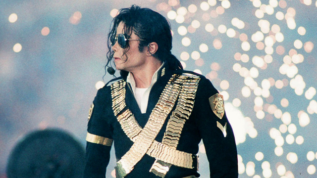 King of Pop - Micheal Jackson performing during Superbowl XXVII (Pic Cou: mjworld.net)