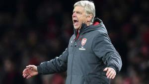 Arsenal's Arsene Wenger keeping title hopes alive