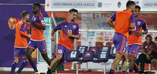 FC Pune City players warming up before the match 5 of the Hero Indian Super League between FC Pune City and Delhi Dynamos FC held at the Shree Shiv Chhatrapati Sports Complex Stadium, Pune, India on the 22nd November 2017 Photo by: Faheem Hussain / ISL / SPORTZPICS ATK