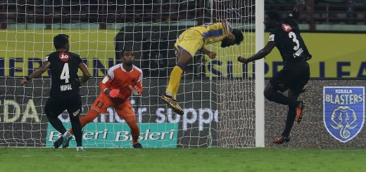 CK Vineeth of Kerala Blasters FC in action to score a goal during match 24 of the Hero Indian Super League between Kerala Blasters FC and NorthEast United FC held at the Jawaharlal Nehru Stadium, Kochi, India on the 15th December 2017 Photo by: Faheem Hussain / ISL / SPORTZPICS Taste