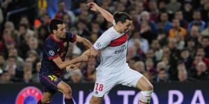 Zlatan Ibrahimovic à la lutte avec Sergio Busquets
